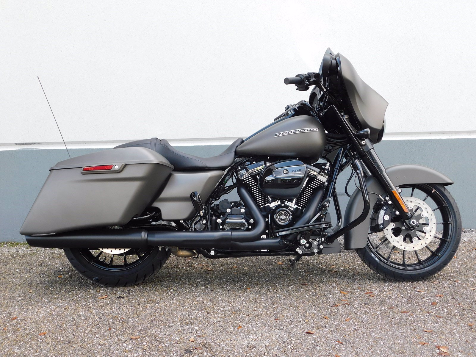 New 2019 Harley-Davidson Street Glide Special FLHXS