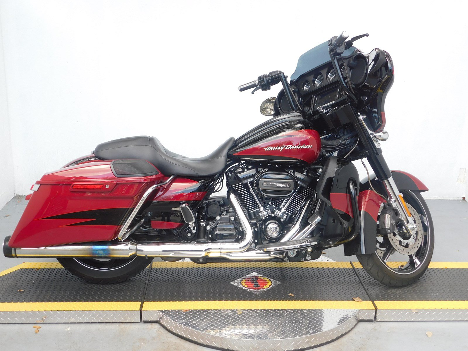 3faa3a6c45c7 Pre-Owned 2017 Harley-Davidson Street Glide CVO FLHXSE CVO Touring in West  Palm Beach  U960302-1